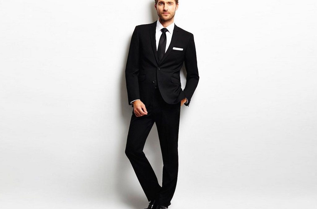 How to wear a black suit?